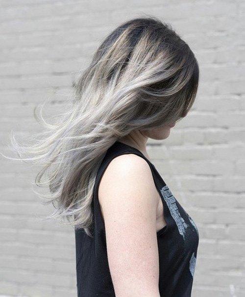 Čo robí vlasy mladých dievčat biele  Prečo vlasy rastú v